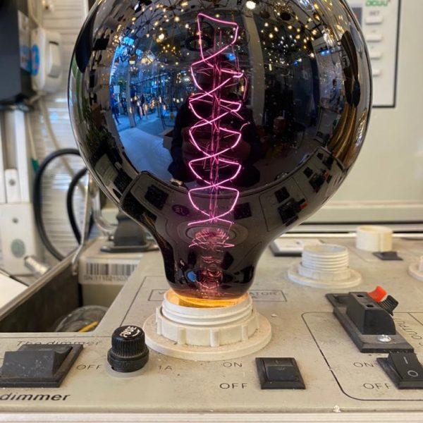لامپ ۴۰ وات ادیسونی G125-40 بلک لایت